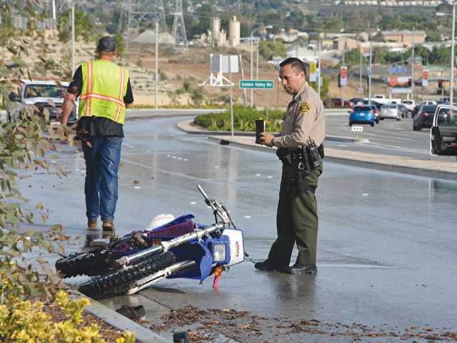 One Dead in Santa Clarita Motorcycle Accident
